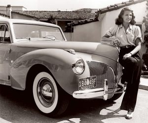 ritahayworth_1941-lincoln-continental